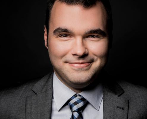 Dr. Henrik Hintz